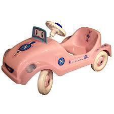 Auto a pedali rosa Napoli